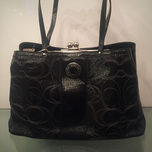 BNWT COACH Signature Stitched Black Leather Kiss Lock Tote