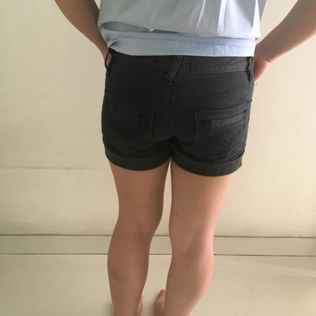 Celana Pendek Shorts Bawahan Hitam Black