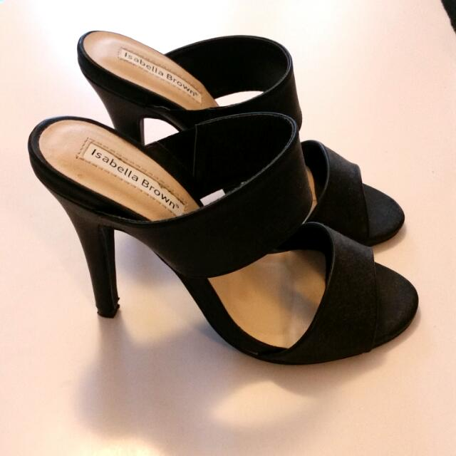 Isabella Brown heels in black size 5