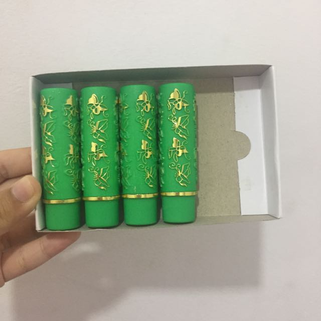 Lipstick arab Hare hijau