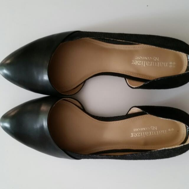 Naturalizer flats