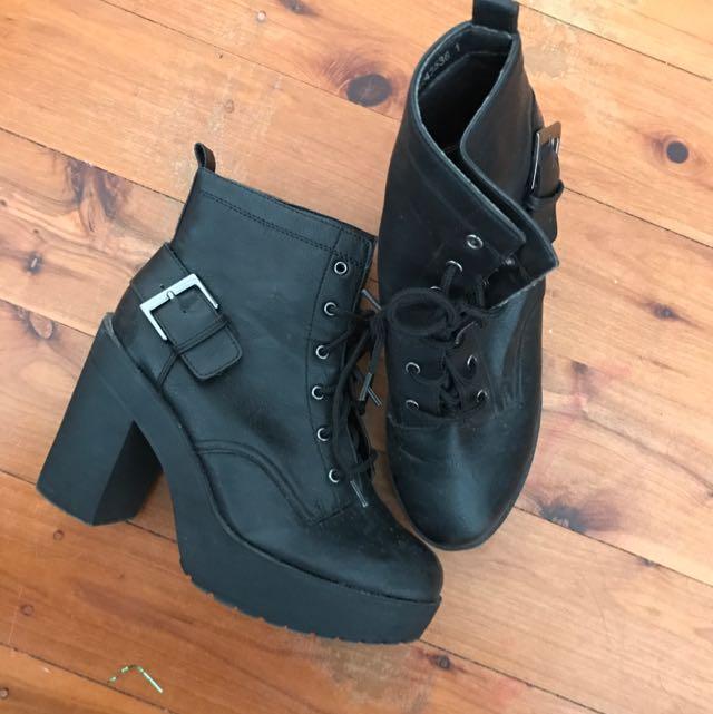 New Look Heel Boot