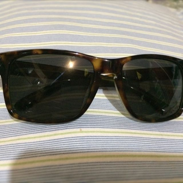 a6c5885a639 preloved oakley holbrook lx tortoise green with dark grey lens ...