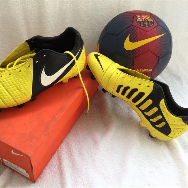 Sepatu Bola Nike CTR360