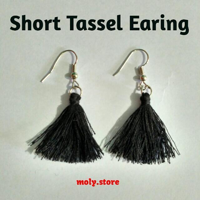 Short Tassel Earing
