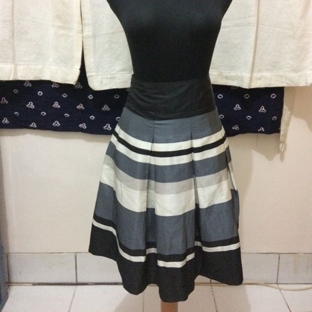 The Executive Stripes Skirt Rok Size M / Size L