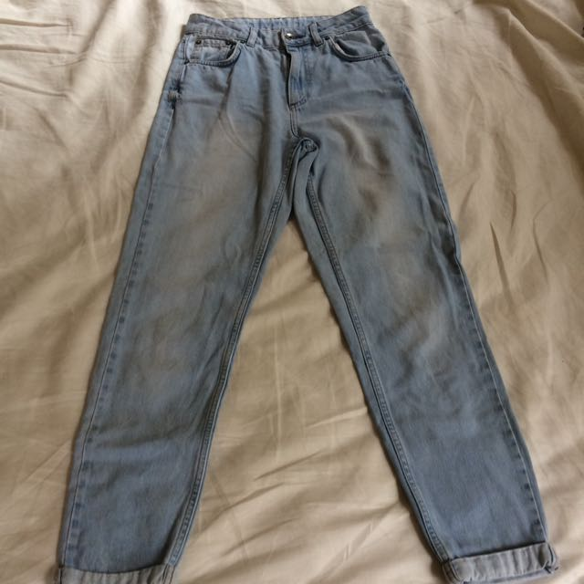 **PENDING** TOPSHOP MOTO Mom Jeans size W26