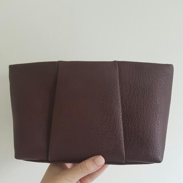 Witchery Clutch In Maroon