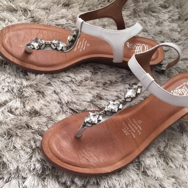 WITTNER SHOES SIZE 7