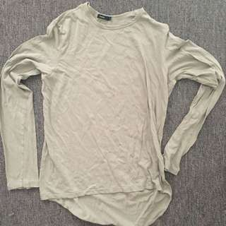 BASSIKE LONG SLEEVE TOP SIZE SMALL