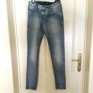 PENDING🌜Semi-faded Blue Jeans 🌛