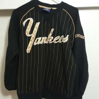 NY Yankees sweater