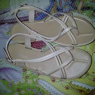 Michaela Sandals  size 39 new