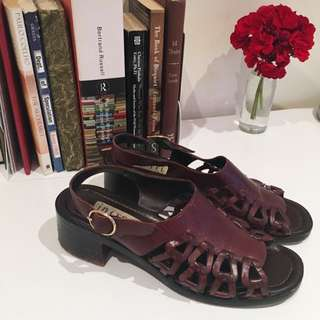 FREE POSTAGE 💌🔁 Size 38 Vintage Leather Sandals