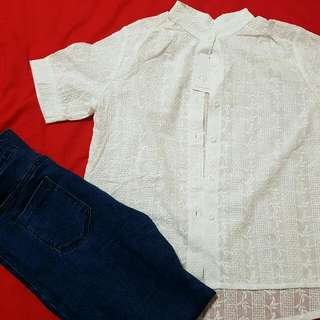 White Chinese Collar Top And Jeggings