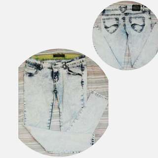 White Maong Pants