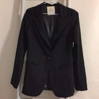 黑色合身西裝外套