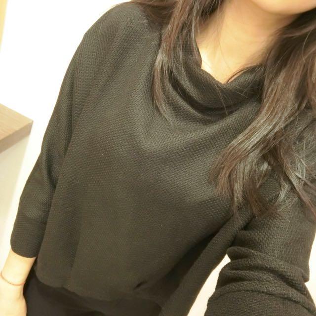 黑色高領七分袖上衣