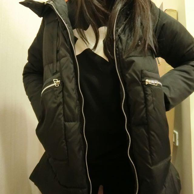 黑色長版防風蓬感外套
