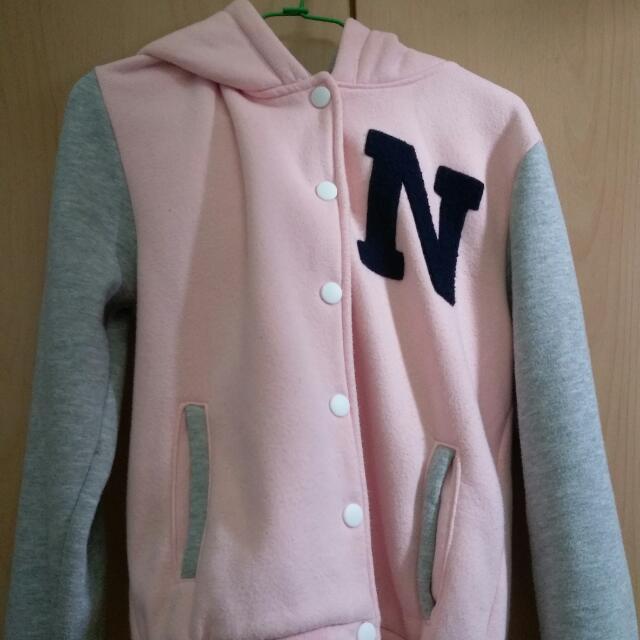 粉嫩棒球外套