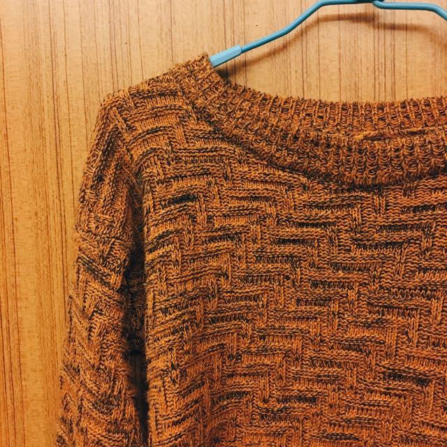 混色芥黃針織前短後長上衣