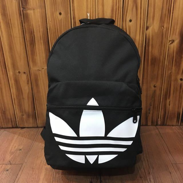 英國公司 Adidas三葉草後背包