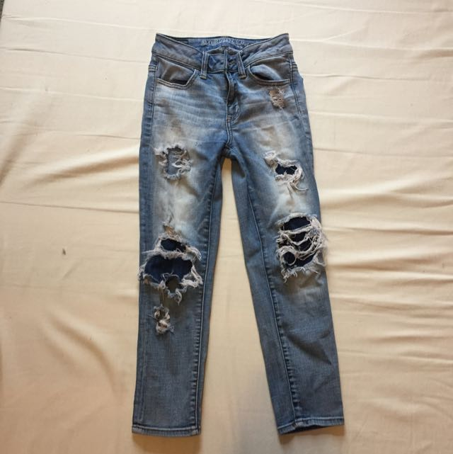 American Eagle Crop Ripped Jean Size 00