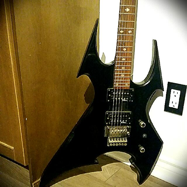 BLACK /BC RICH/ GUITAR