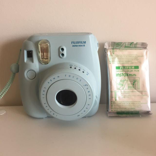 Blue Fujifilm Instax Mini 8 + Film