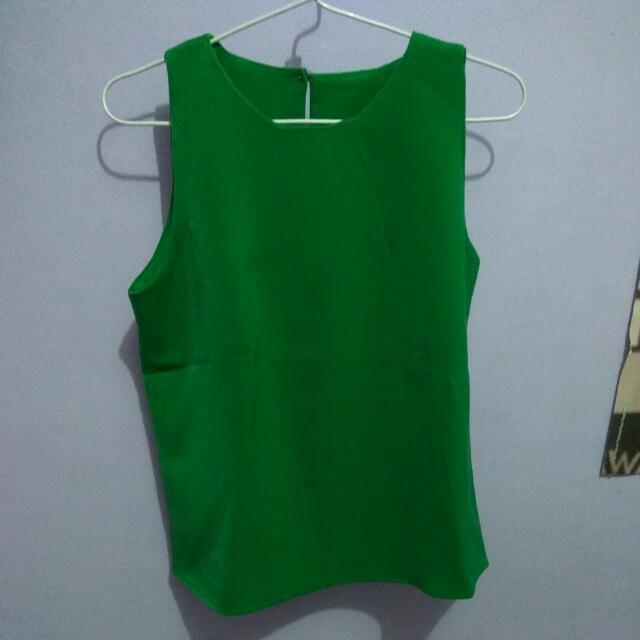 green sleeveless top - atasan tanpa lengan hijau