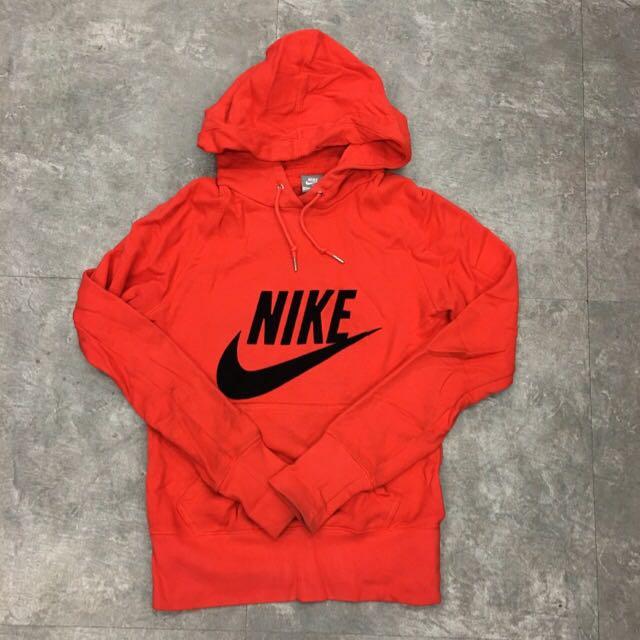 Nike女生上衣