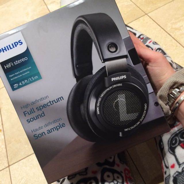 Philips HiFi stereo over ear headphones! NEED GONE ASAP