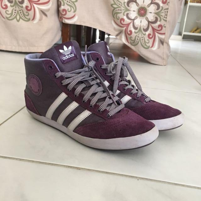 Womens Addidas High Cut Shoes Size8