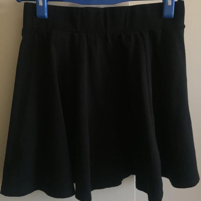 Women's Size 4 Black Skater Skirt