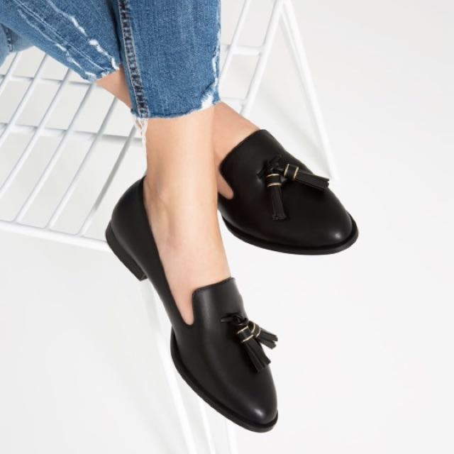 ZARA Flat Shoes With Tassels