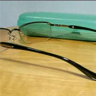 微灰色裝飾眼鏡