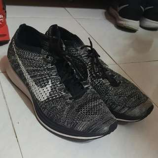 95%New Nike Flyknit Racer Oreo hold by douglasho
