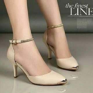sepatu cream gold