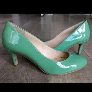 NEW Nine West Heels - Size 6.5