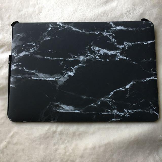 13.5' Hardcover Black Marble Laptop Case