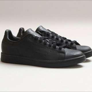 Stan Smith Adidas (Black Leather)