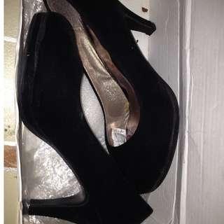 Shoes/sandals/heels black 2inch