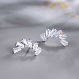 Earrings with Synthetic Diamond (Platinum-plated Sterling Silver) Model No.: SE0047 $139.90