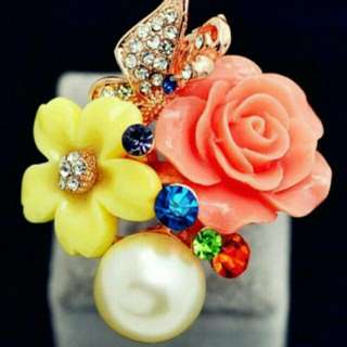 Ring (Expandable Size), Mint Condition   #Canada #FreeShipping #Pearl #Crystal #rhinestone #flower #butterfly #ring #fashion #pink # yellow #colour #colourful