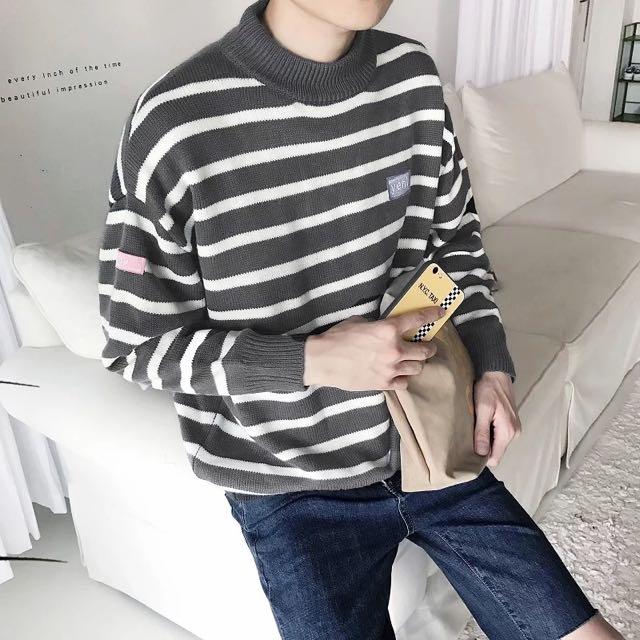 👑圓領套頭條紋針織毛衣