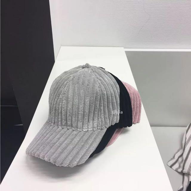 絨面條紋帽