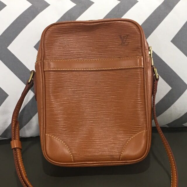 4001db6e2659 Authentic LV Louis Vuitton Danube Epi Rustic Brown Crossbody Bag ...