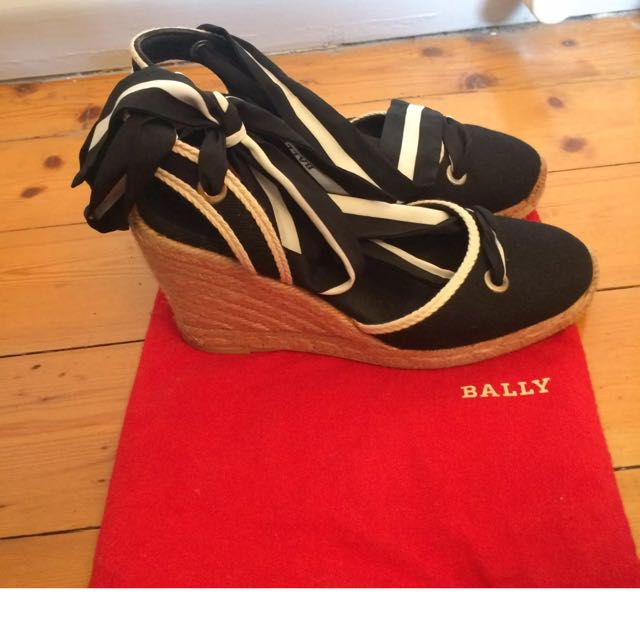 Bally Wedges