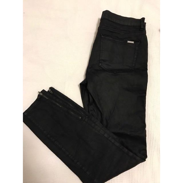 Decjuba Wet Look Skinny Jeans Size 10