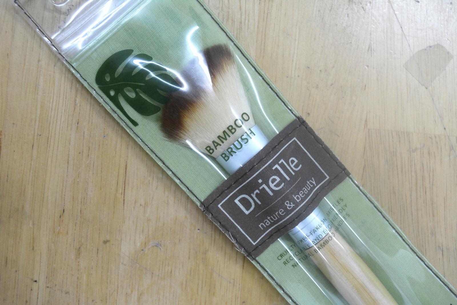 Drielle Bamboo Brush